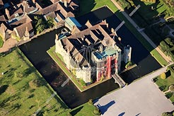 aerial photo of Hever Castle